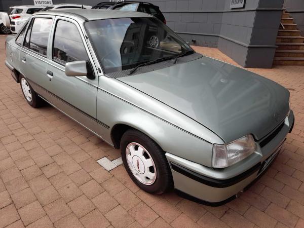 Opel 1.8 GLX